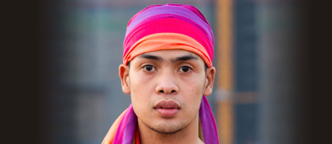 By buying a Cambodian Rainbow scarf you support the work of Untenu Foundation.
